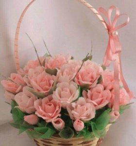 Сладкие цветы в корзинке