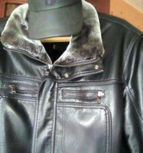 Кожаная куртка и кепка