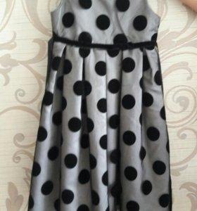 Нарядное платье на 7-8 лет
