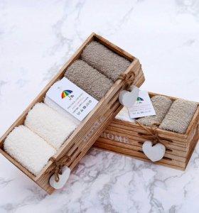 Набор махровых салфеток в коробочке из дерева