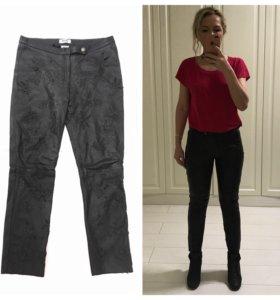 Кожаные брюки Moschino оригинал