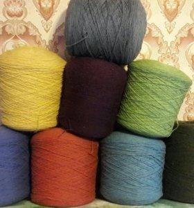 Пряжа, нитки для вязания, шерсть.