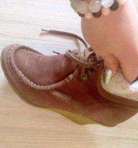 Осенние замшевые ботинки 39