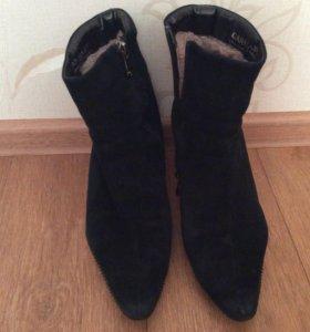Ботинки зимние, натур. мех и замша, р.38, Carnaby