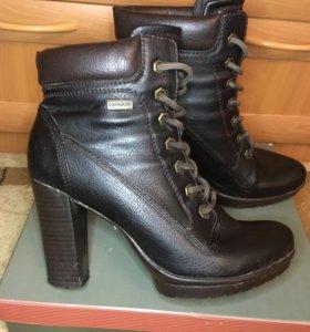 Ботинки Carnabi 38 размер