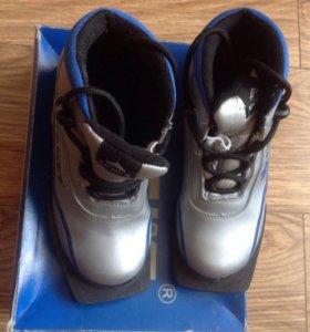 Лыжные ботинки б/у. Р.35