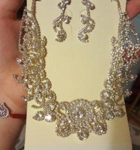 НОВЫЙ Комплект украшений ( ожерелье+серьги)