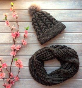 Комплект вязаный шапка с косами и снуд