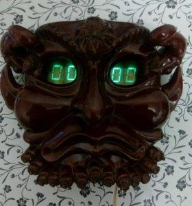 Часы Люцифер