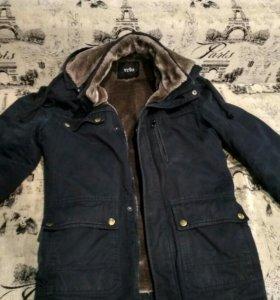 Продам зимнюю куртку.Размер:S