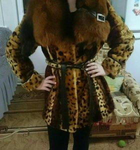 Шуба мутон, воротник лиса
