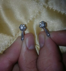 Продаю серьги бриллиантовые