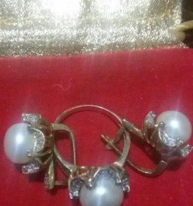 Золотой комплект,жемчуг с бриллиантами