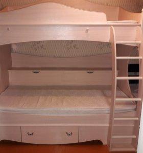 Продам двухъярусную детская кровать