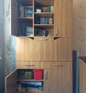 Секретер и трестворчатый шкаф