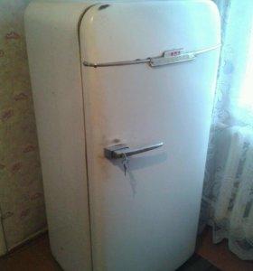 Холодильник ЗИЛ Москва 1960г.
