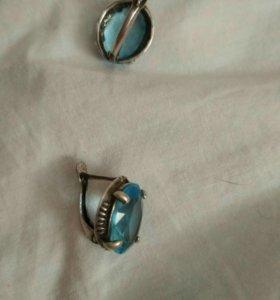 Сережки с голубым камнем