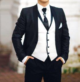 Мужской свадебный костюм(смокинг) бу