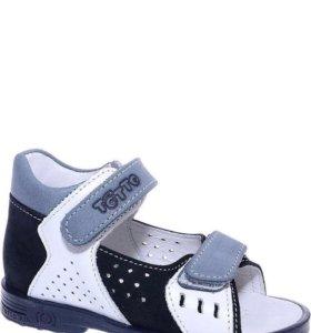 Новые сандали Тотто, 21 размер