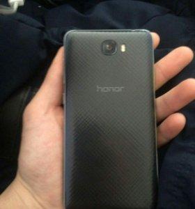 Продам телефон honor 5A
