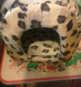 Домик для кошек и мелких собак
