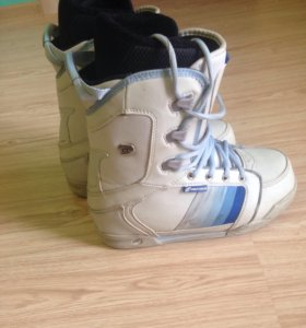 Сноубордические ботинки 36