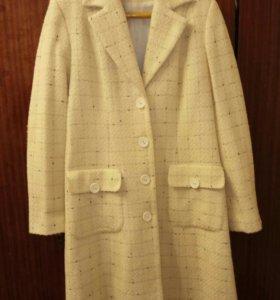 Новое женское пальто, белое, Симферополь