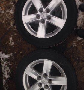 2 колеса шипованные