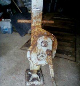 Домкрат механический, реечный 5т
