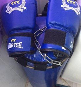 Груша, перчатки боксёрские