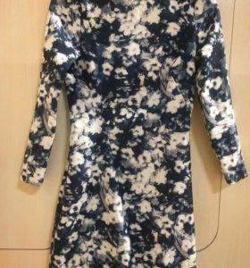 Платье в цветочном стиле Zara
