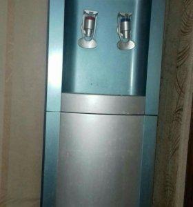 Кулер для воды с холодильником-баром