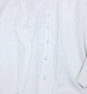 Белая тёплая кофта