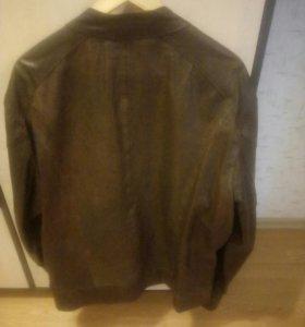 мужская кожаная куртка из Италии !
