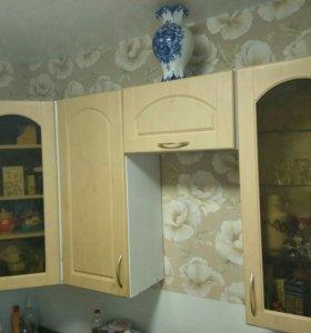 Верхние кухонные шкафы