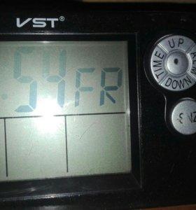 Ваз 2110-2112 часы с вольтметром и градусником.
