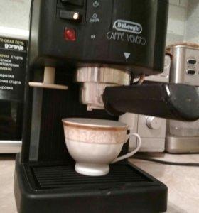 Кофемашина Delonghi , давление 15 бар