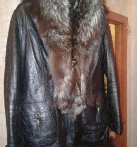 Зимняя кожанная куртка с песцом