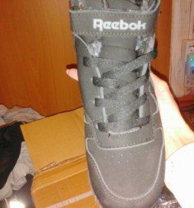 Ботинки на мальчика новые!