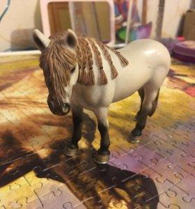 Лошадка коллекционная