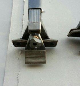 Поперечины на крышу лада приора