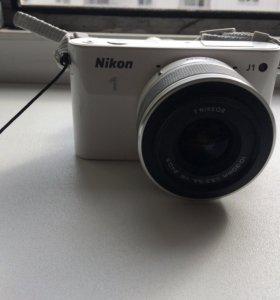 Продаётся фотоаппарат Nikon J1