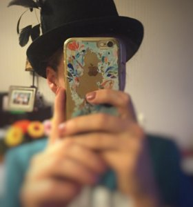 Необычная шляпа с перьями. H&M. Чёрная.