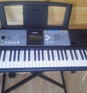 Синтезатор - цифровое пианино Yamaha PSR-E233
