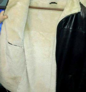 Мужская кожаная куртка из натуральной овчины.