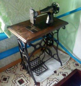 Швейная машинка зингер
