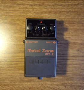 педаль эффектов BOSS MT-2, metal zone