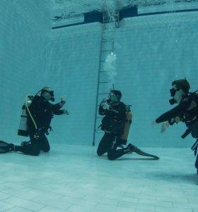 Ознакомительное погружение под воду в бассейне