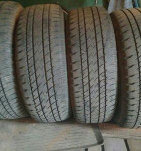 Продам шины 235/65 R17