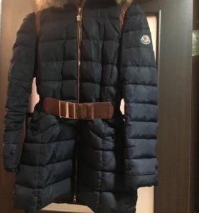 Пальто пуховик зимнее.